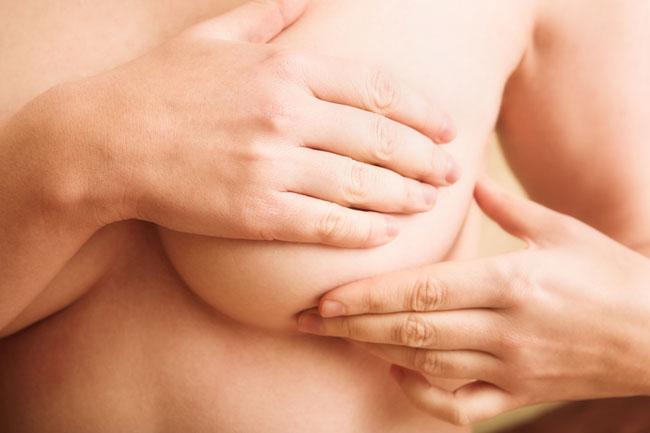 Cancer du sein : La chirurgie réparatrice devrait être prise en charge par l'assurance de base